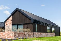 Previous Show Homes - Hamilton - Urban Homes Modern Barn House, Modern House Design, Brick Architecture, Architecture Details, Brick Shed, Gable Roof Design, Brick Cladding, Cabin House Plans, Cottage Exterior