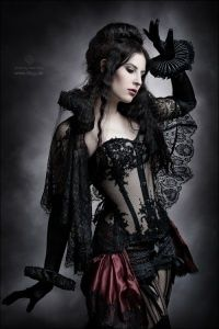 Top Gothic Fashion Tips To Keep You In Style. As trends change, and you age, be willing to alter your style so that you can always look your best. Consistently using good gothic fashion sense can help Moda Steampunk, Gothic Steampunk, Style Steampunk, Victorian Gothic, Steampunk Fashion, Gothic Lolita, Gothic Art, Steampunk Clothing, Gothic Clothing