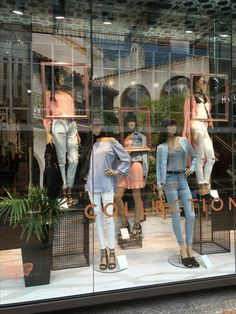 """GLASSONS, Lambton Quay, Wellington, New Zealand, """"New Mood, New Shade, New Focus... New Collection"""", uploaded by Ton van der Veer"""