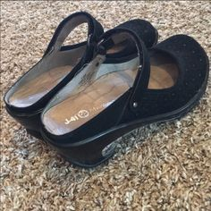 396d394d626 Shop Women s Black size Shoes at a discounted price at Poshmark. J 41 Jeep  ...