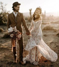 Wild Ones Wedding Inspiration. Dried palm florals at The Ruin Venue in the desert. Wild Ones Wedding Inspiration. Dried palm florals at The Ruin Venue in the desert. Gold Wedding Gowns, Lilac Wedding, Green Wedding Shoes, Boho Wedding Dress, Bridal Gowns, Elegant Wedding, Rose Gold Wedding Dress, Wedding Desert, Colored Wedding Dress