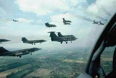 KLu - Koninklijke Luchtmacht   Lockheed F-104G Starfighters   KLU over Scheveningen 1983