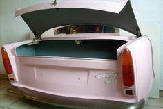Wohnliche Schrottwertgegenstände: In Bayern werden aus Autos schicke Möbel