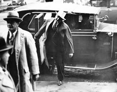 Al Capone arriving at the courthouse - October 1931