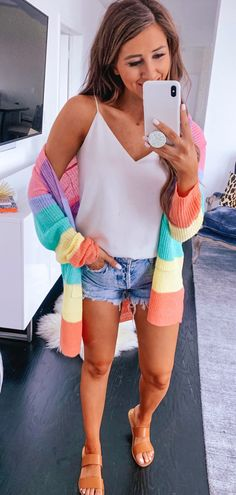 Cute Spring Outfits To Copy Right Now Cute Spring Outfits, Spring Dresses, Cute Outfits, Hipster Outfits, Las Vegas Outfit, Army Green Pants, Tank Top Outfits, Stylish Mens Fashion, White V Necks