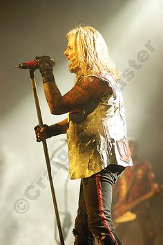 A #Photo of Vince Neil on the Motley Crue NYE Show in Detroit MI. 2005. #RIPMotleyCrue #TheFinalTour #VinceNeil