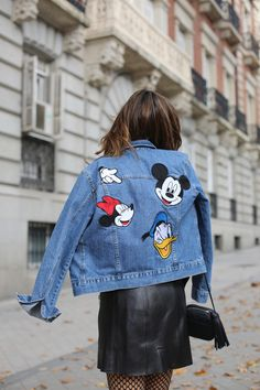 Mickey Mouse denim looks - Lady Addict Cute Disney Outfits, Disneyland Outfits, Disney Inspired Outfits, Painted Denim Jacket, Painted Jeans, Painted Clothes, Mickey Mouse Jacket, Mickey Mouse Outfit, Minnie Mouse