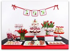 Google Image Result for http://www.cutest-baby-shower-ideas.com/images/ladybugparty2.jpg