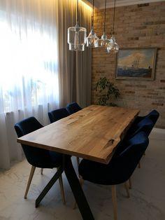 Stół loft KSAMIL zachwyca oryginalną formą, łączącą geometryczną podstawę z masywnym, dębowym blatem w stylu rustykalnym. Nietypowa, trójkątna podstawa uwypukla szlachetny kształt blatu i podkreśla ciekawą, surową linię oflisu. Dining Table, Loft, Furniture, Home Decor, Decoration Home, Room Decor, Dinner Table, Lofts, Home Furnishings