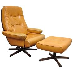For Sale on - Vintage Gote Mobler Nassjo Mid-Century Modern caramel leather lounge chair and ottoman. Item features beautiful caramel brown leather upholstery with stitched Vintage Office Chair, Wooden Office Chair, Mesh Office Chair, Wooden Chairs, Painted Chairs, Office Chairs, Velvet Wingback Chair, Chair And Ottoman, Upholstered Chairs