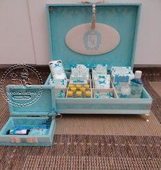 Tiffany com caramelo para os toaletes da festa ...Luxo puro!                                         Arabescos Tyffany para a caixa f...