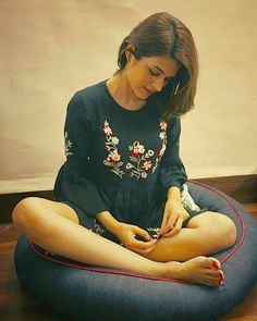 Shradha das tollywood and Bollywood tempting insane beauty face unseen latest hot sexy images of her body show and navel pics with big cleav. South Actress, South Indian Actress, Hd Photos, Cover Photos, Shraddha Das, Hd Wallpapers 1080p, Photoshoot Images, Photo Wallpaper, Celebrity Feet