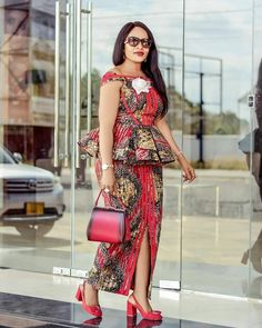 African fashion women - latest ankara short skirt and blouse styles 2019 check out stylish ankara short skirt and blouse for weekend Correct Kid African Fashion Ankara, Latest African Fashion Dresses, African Dresses For Women, African Print Dresses, African Print Fashion, African Attire, Africa Fashion, Fashion Men, Fashion Styles