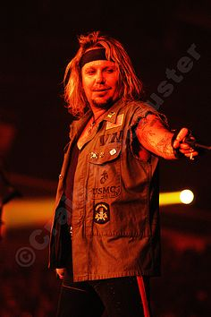 A #Photo of @TheVinceNeil on the @MotleyCrue Stage. #RIPMotleyCrue #TheFinalTour #VinceNeil #MotleyCrue