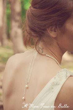 Collier en perles avec rubans en organza pendant dans le dos pour robe de mariée au dos ajouré