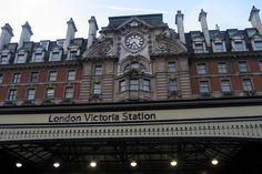 Victoria Station (London) stazione di ritorno per aereoporto di Gatwick ogni 15 minuti per aereoporto