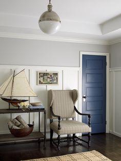 Benjamin Moore Stonington Gray, via blue door is Bayard Blue-possibly for trim in garage? Interior Door Colors, Interior Paint, Painted Interior Doors, Interior Ideas, Benjamin Moore Stonington Gray, Cosy Living, Living Room, Les Hamptons, Hamptons House