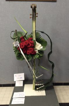 Theoule Contest - 21 May 2016 Arrangements Funéraires, Creative Flower Arrangements, Funeral Arrangements, How To Wrap Flowers, Love Flowers, Paper Flowers, Deco Floral, Art Floral, Floral Design