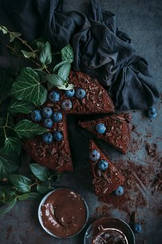 No fail vegan chocolate cake | TheAwesomeGreen.com
