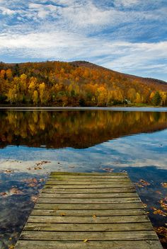 Autumn Lake, Vermont- a place I want to experience in fall!