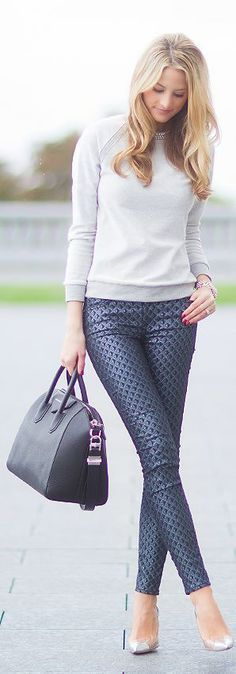 Printed classic pants with sleeve top sweater and leather handbag. | Office Style