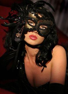 La Belle Masque