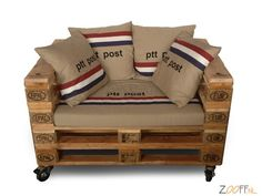 DIY pallet furniture inspirations and how to keep your own furnishings from pallets, utilize repurposed pallet woodwork to design your next work of art! DIY pallet furniture inspirations and how to keep your own furnis Pallet Chair, Diy Pallet Furniture, Diy Pallet Projects, Old Pallets, Recycled Pallets, Wooden Pallets, Woodworking Inspiration, Furniture Inspiration, Dismantling Pallets