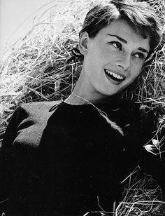 Audrey Hepburn-beautiful and glamorous
