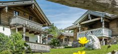 Chalets im Salzburger Land Style At Home, Spa, Cabin, Mansions, House Styles, Bergen, Home Decor, Chalets, Gap Year