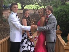 Best friend prom pics - Hairstyles For All Homecoming Poses, Homecoming Pictures, Prom Photos, Prom Pics, Dance Photos, Dance Pictures, Bff Pics, Friend Pics, Senior Prom