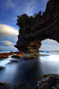 ✯ Pura Batu Bolong, Tanah Lot, Bali, Indonesia