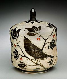 black and white - Bird-Tea-Caddie - ceramic - Karen Newgard Ceramic Boxes, Ceramic Decor, Ceramic Clay, Ceramic Painting, Ceramic Pottery, Pottery Art, Clay Box, Keramik Design, Vases