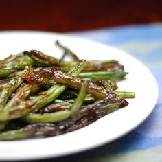 Dine O Mite!: Chinese Restaurant-Style Sautéed Green Beans   Made these and they turned out awesome!