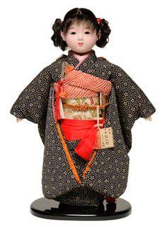 A 13 Ichimatsu doll: Yuzen apparel: Green sinter product
