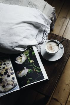 Note : Beautiful pillowcases, trimmed in such delicate details