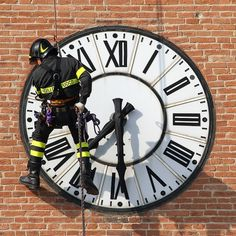 Officer Rappelling in front of Clock Inbound Marketing, Content Marketing, Good Time Management, A Writer's Life, College Years, Rappelling, Cool Tools, Getting Things Done, Past