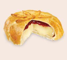 Raspberry Chipotle Brie en Croute