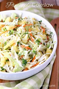 Pineapple Coleslaw: shredded cabbage and pineapple tidbits come together in a sweet and tangy dressing in this unique take on a classic salad! Hawaiian Coleslaw, Pineapple Coleslaw, Pineapple Curry, Canned Pineapple, Sweet Coleslaw Recipe With Pineapple, Pineapple Juice, Pineapple Boats, Potluck Salad, Slaw Dressing