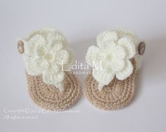 Crochet baby sandals, baby gladiator sandals, baby girl slippers, ivory, baby shower gift, baby booties, flower sandals,0-3, 3-6, 6-9 months