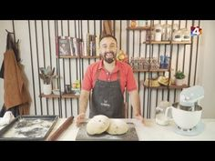 Bien con Lourdes - Pan casero con chicharrones - YouTube Chicharrones, Youtube, Bread Recipes, Deserts, Chilean Recipes, Homemade, Youtubers, Youtube Movies