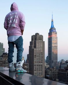 8 All Time Best Diy Ideas: Urban Fashion Streetwear Sneakers urban fashion photoshoot boho.Urban Wear For Men Clothing urban fashion outfits bomber jackets. Fashion Male, Urban Fashion Women, Fashion Outfits, High Fashion, Gucci Fashion, Fashion Advice, Fashion Ideas, Fashion Trends, Nike Mag