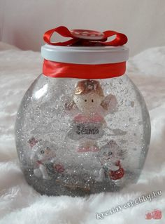 Hógömb készítése házilag Snow Globes, Diy And Crafts, Xmas, Home Decor, Room, Yule, Homemade Home Decor, Rooms, Christmas Movies