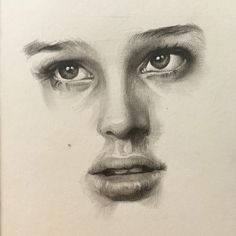 mathilda (Natalie Portman) pencil drawing by @zahn_k