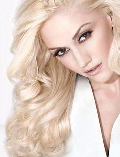 Gwen Stefani makeup ideas. Long curly hair.