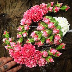 Floral Garland, Flower Garlands, Thai Decor, Jasmine Plant, Thai Style, Flower Crafts, Flower Designs, Flower Arrangements, Thailand
