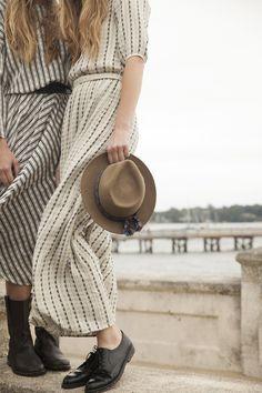 Long line dresses | Pale / Light | Lies and stripes | Hat and black shoes |
