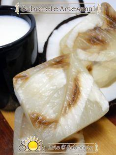 Sabonetes Artesanais  de Glicerina Hipoalérgicos - Leite de Cabra com Coco Coco, Camembert Cheese, Goat Milk, Handmade Soaps, Line, Nature