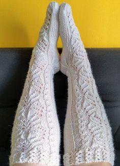 Lace Knitting, Knitting Socks, Knitting Patterns, Knit Crochet, Yarn Inspiration, Wool Socks, Knitwear, Leg Warmers, My Style