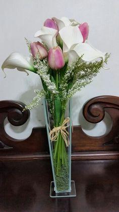 Vaso de tulipas e copo de leite...