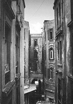 Old Egypt, Egypt Art, Ancient Egypt, Alexandria Egypt, Mobile Photography, Cairo, Sicily, Love Art, Old Photos